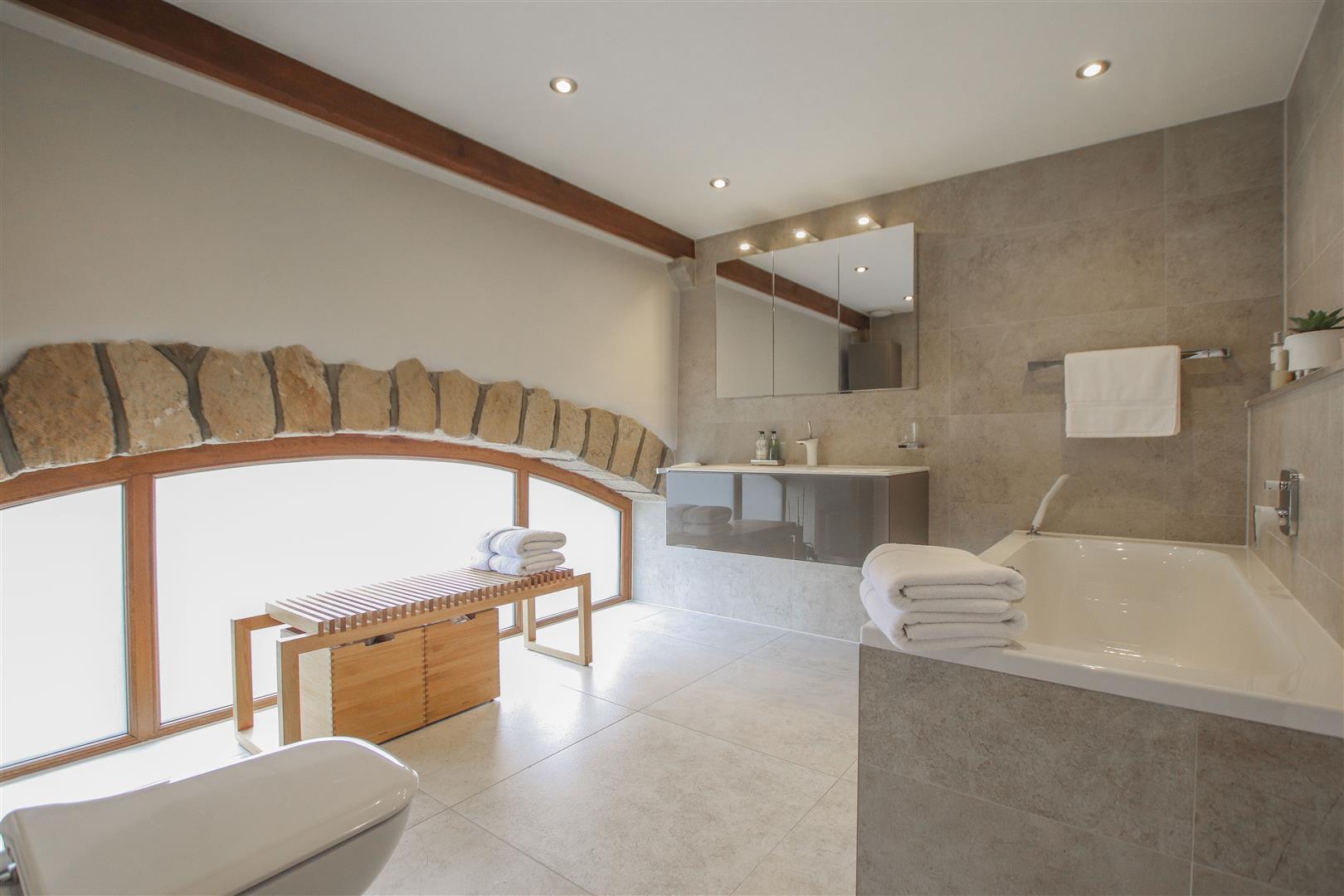 5 Bedroom Semi-detached House For Sale - 22.JPG